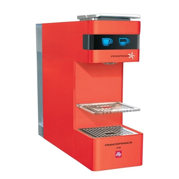 תמונה של מכונת קפה Illy מתצוגה